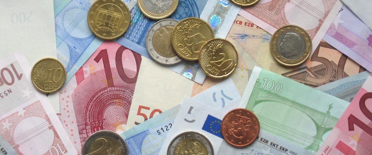 MIZSEI: Przyjęcie euro celem narodowym