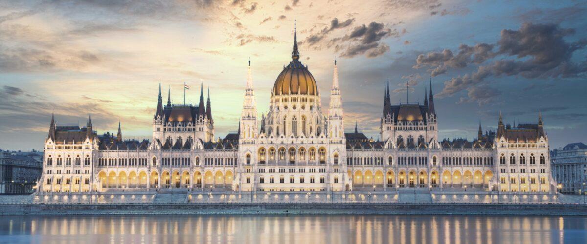 Węgry: tak dla unijnych funduszy, ale na zasadach Orbána